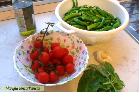 Peperoncini verdi dolci al pomodoro, ricetta vegetariana, Mangia senza Pancia