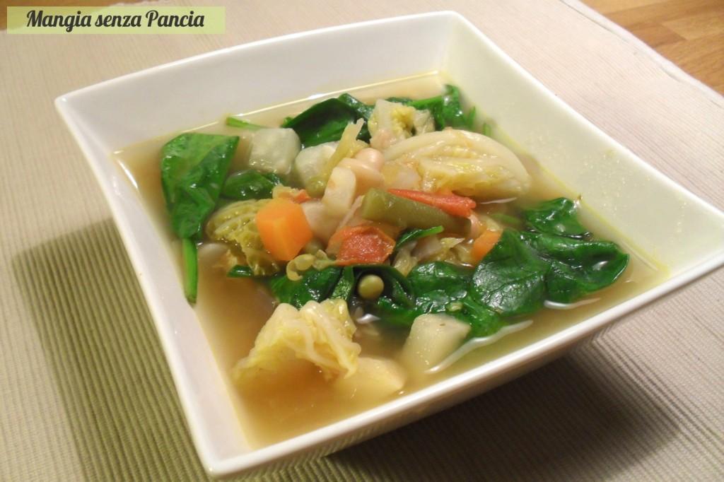 Minestrone leggero, ricetta vegetariana, Mangia senza Pancia