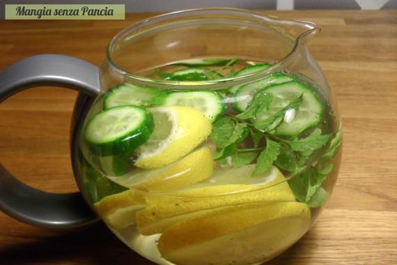 Bevanda depurativa limone cetriolo menta, Mangia senza Pancia