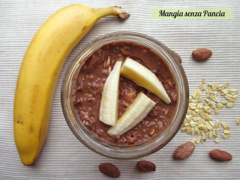Porridge estivo banana e cacao