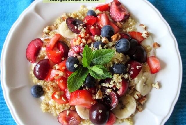 Yogurt con quinoa e frutta