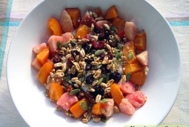 Orzo soffiato yogurt frutta e semi, Mangia senza Pancia