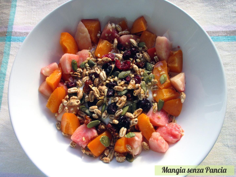 Orzo soffiato yogurt frutta e semi