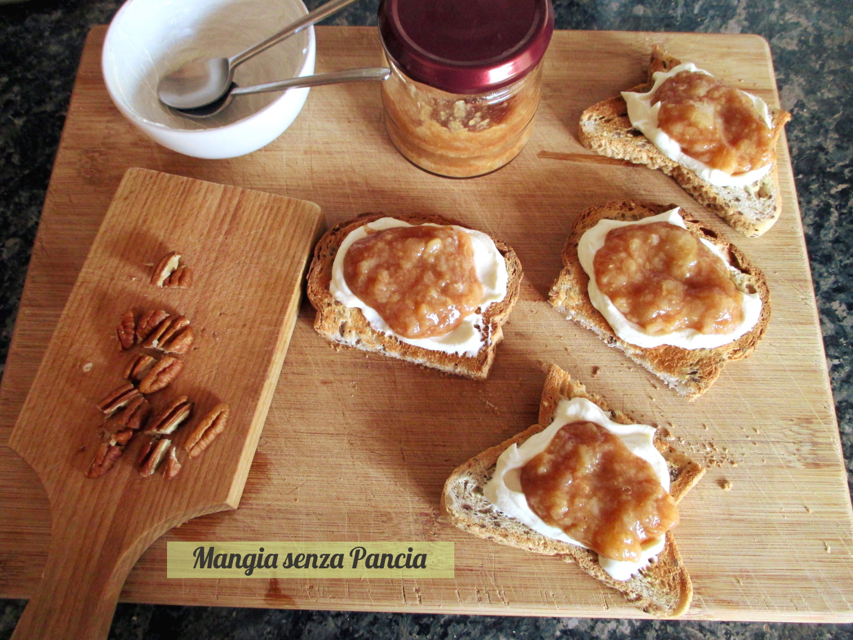 Ricotta e pere sul pane tostato