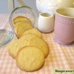 Biscotti semplici leggeri senza uova