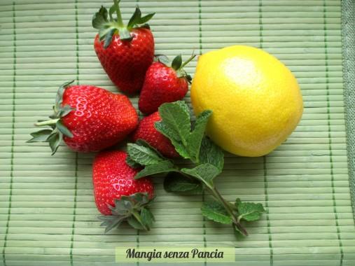 Bevanda depurativa fragole limone menta, Mangia senza Pancia