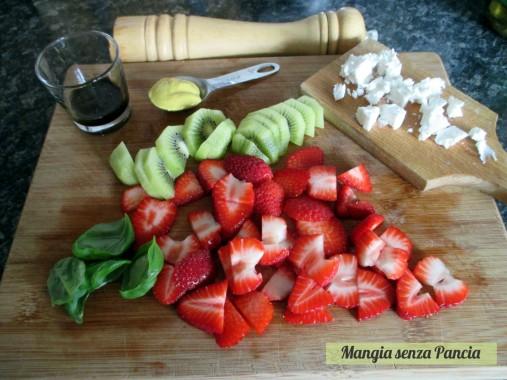 Insalata fragole e kiwi con caprino, Mangia senza Pancia