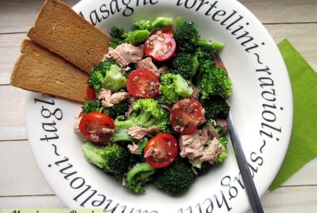 Insalata di broccoli e tonno con pomodorini, Mangia senza Pancia