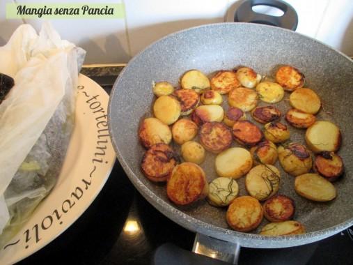 Orata al cartoccio in padella con patate, Mangia senza Pancia