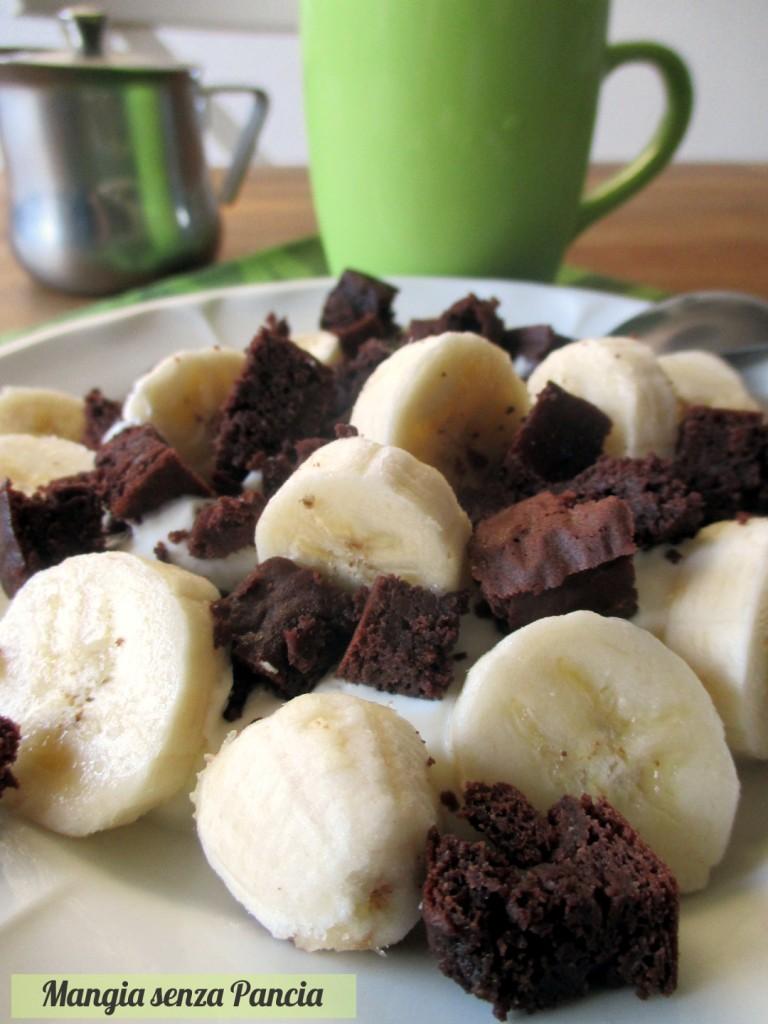Brownie con banana e yogurt greco, Mangia senza Pancia