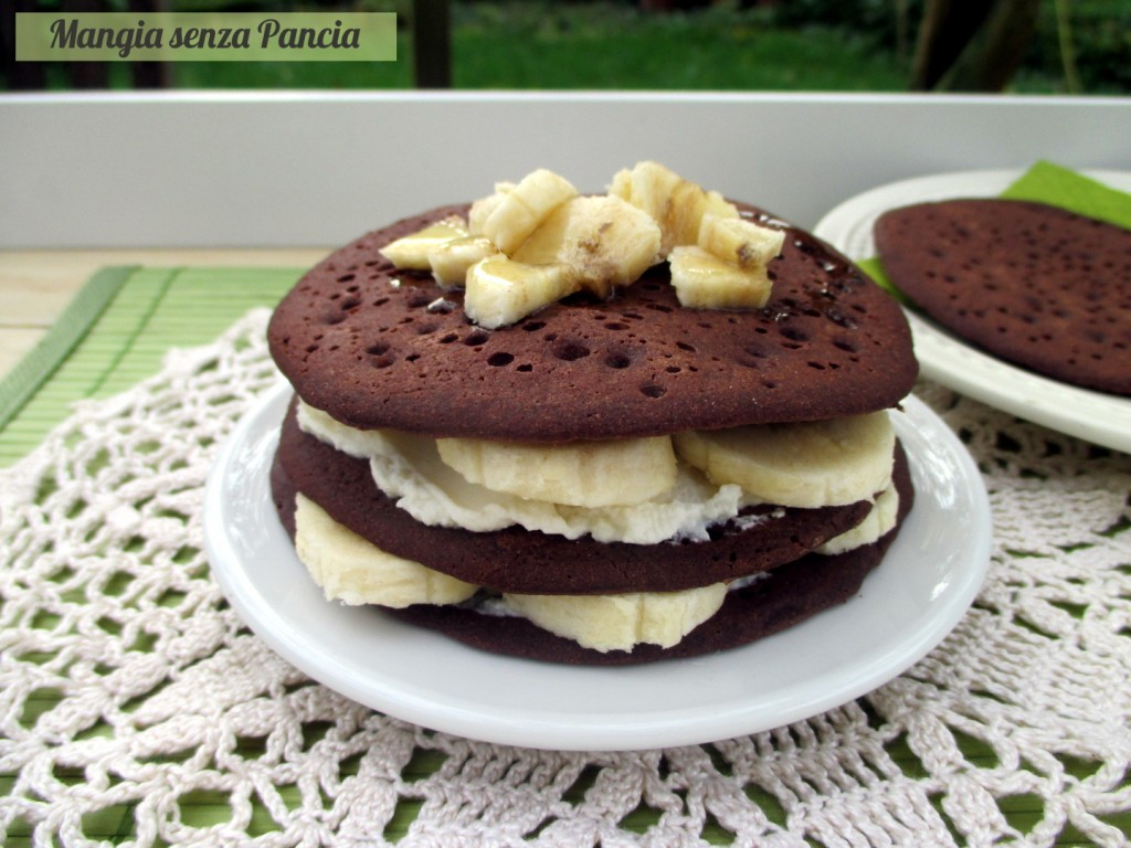 Tortina di pancakes al cacao senza uova o glutine, Mangia senza Pancia