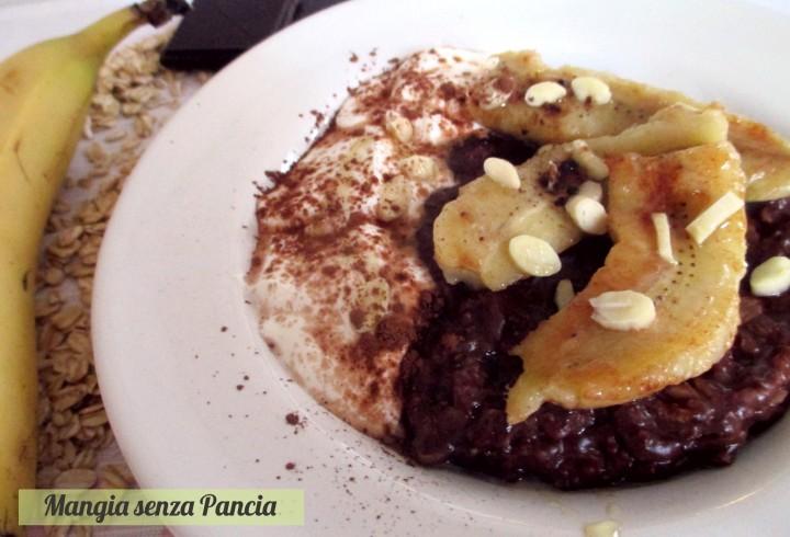 Porridge al cacao light con yogurt e frutta, Mangia senza Pancia