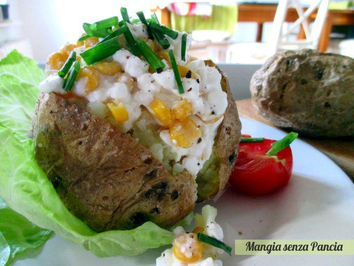 Patate ripiene vegetariane con fiocchi di latte e mais