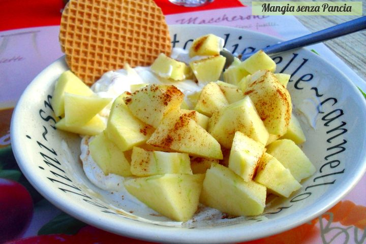 Merenda veloce mela e cannella con yogurt, Mangia senza Pancia
