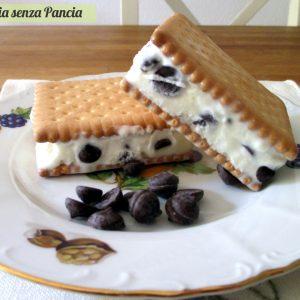 Biscotto gelato light con gocce di cioccolato