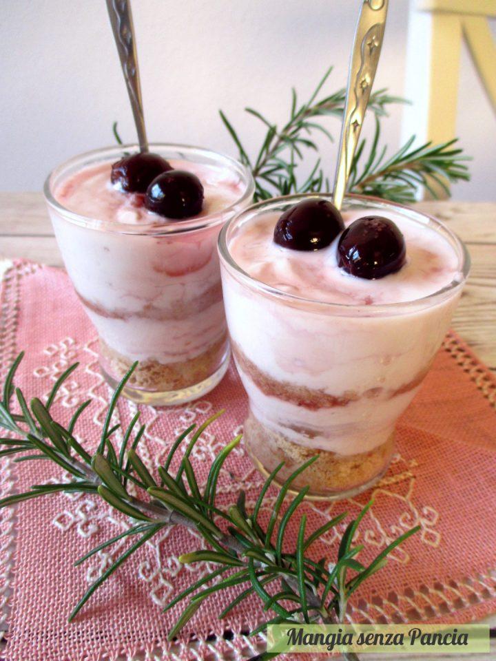 Crema di yogurt greco e amarene in bicchiere, Mangia senza Pancia
