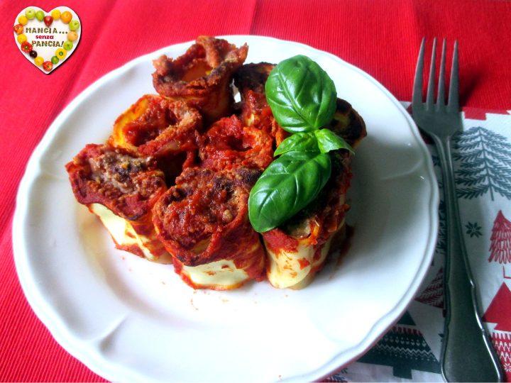 Girelle di lasagne al sugo