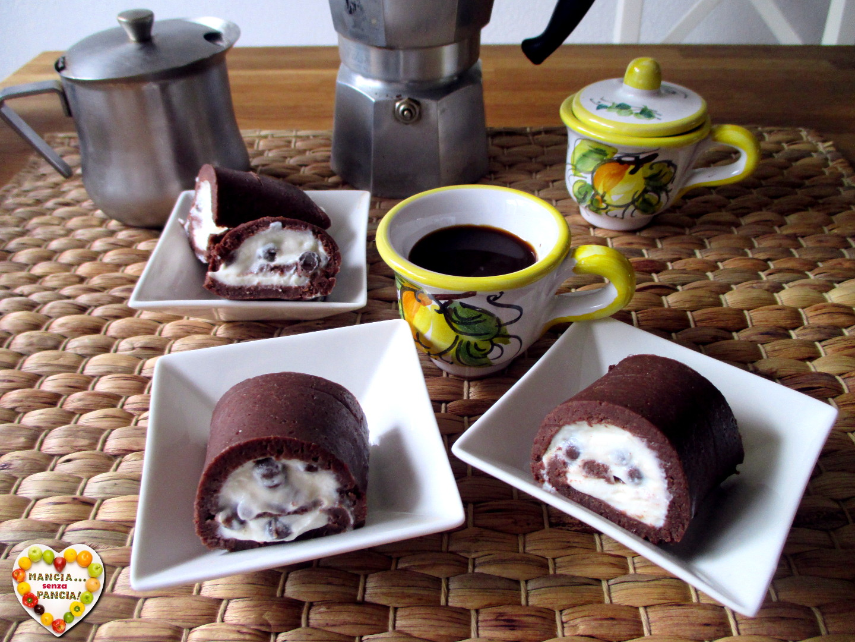 Rotolo di pavesini al cacao