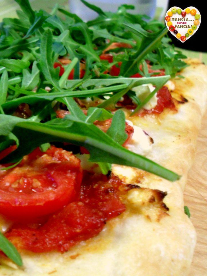 Pizza pomodorini rucola e caprino leggera, Mangia senza Pancia