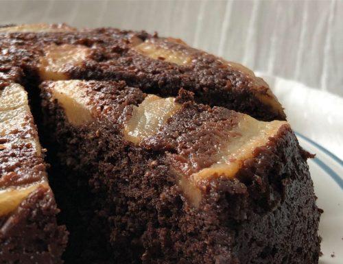 Torta rovesciata cacao e pere