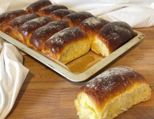 Pao de milho (panini al mais e latte condensato)