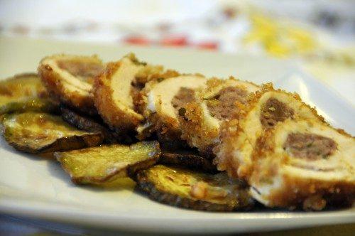 Rondelle di pollo in letto di zucchine