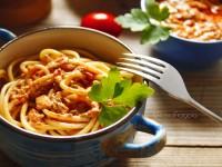 Spaghetti al tonno con panna e pomodorini