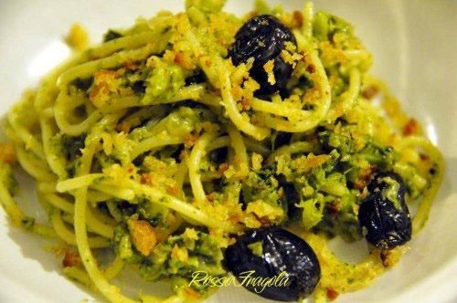 Spaghetti con broccoletti e mollica