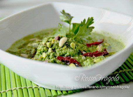 Crema di spinaci con noci e pistacchi
