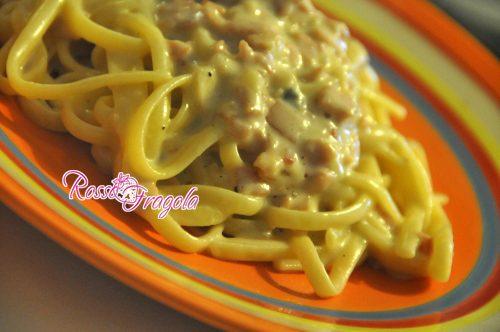 Trenette con crema al prosciutto e gorgonzola