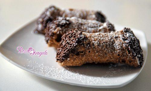 Cannoli di ricotta e cioccolato