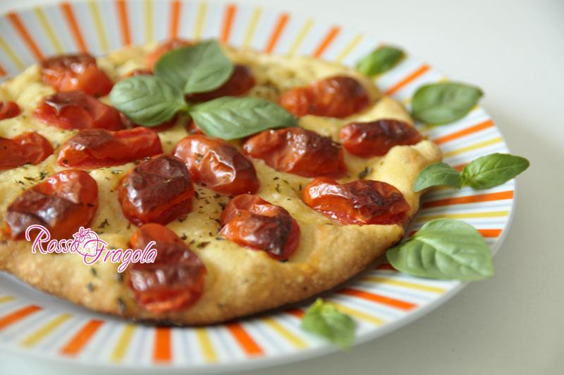 focaccia-con-pomodori-datterini.jpg
