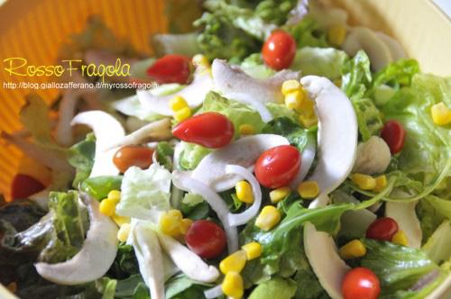-insalata-mista-con-datterini-e-champignon-immagine