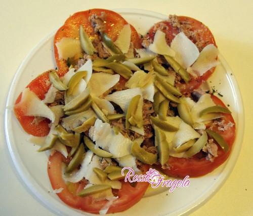 Pomodori con olive e tonno – ricetta veloce