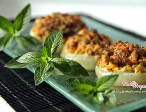 Cipolle ripiene con la carne – ricetta gustosa
