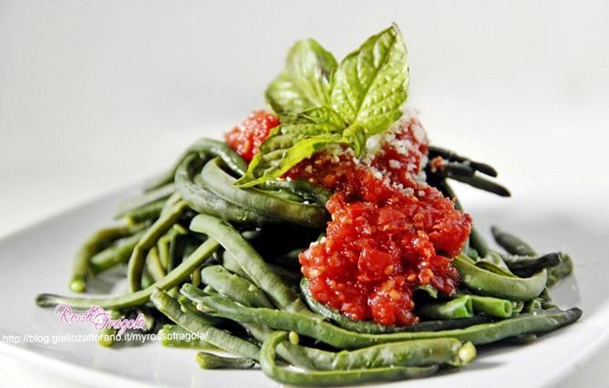 Fagiolino mascalese al pomodoro piccante – ricetta siciliana
