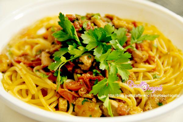 Spaghetti-pesce-spada-e-datterini