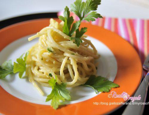 Carbonara di tonno al curry – ricetta facile veloce e gustosa