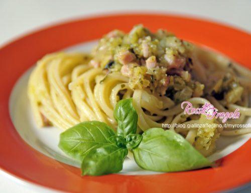 Linguine al prosciutto e pesto di zucchine