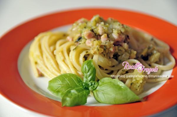 linguine-al-prosciutto-e-pesto-di-zucchine.jpg