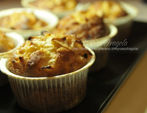 Muffin allo yogurt con mele e cannella