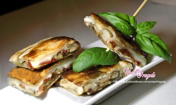 Sfoglia ripiena con funghi porcini prosciutto e formaggio – Torta salata