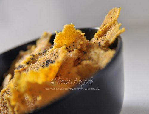 Sfoglie di polenta con semi di papavero e sesamo