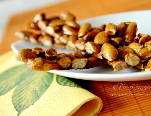 Croccante di mandorle al miele…un dolcetto davvero irresistibile!