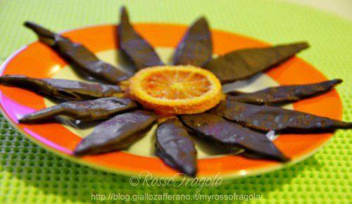 Scorze di arancia candite ricoperte al cioccolato