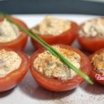Coppette di pomodori alla mousse di tonno