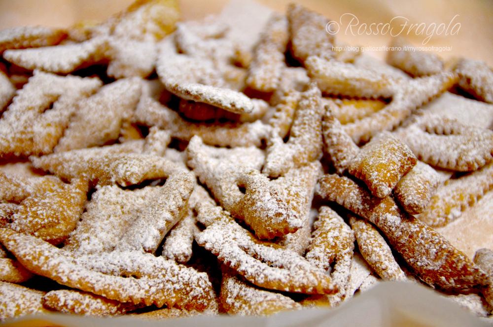 chiacchere,dolci di carnevale