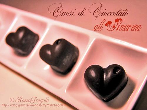 cuoricini di cioccolato all'amarena,cioccolatini ripieni