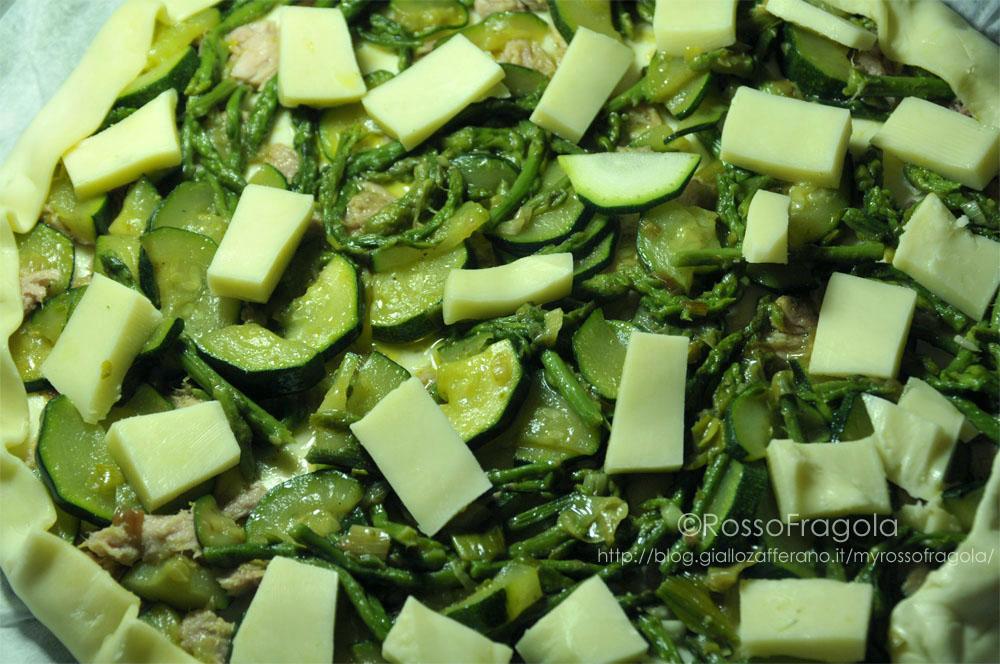 Quiche con asparagi tonno e zucchine