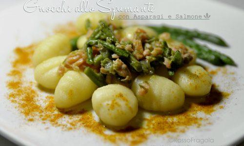 Gnocchi allo spumante –  con asparagi e salmone